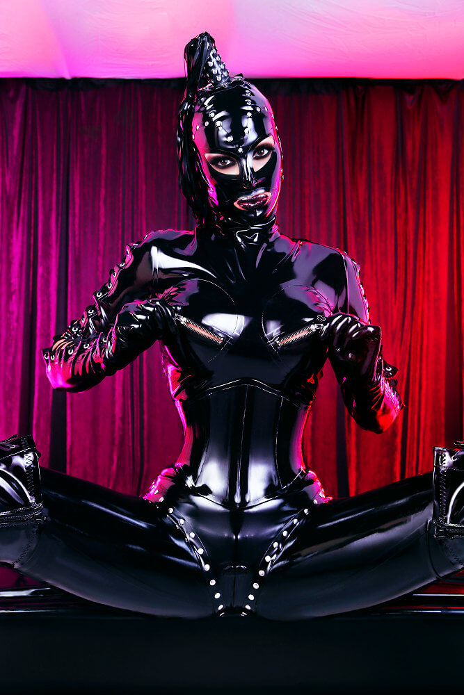heavy rubber marquis  u2013 domina lady electra